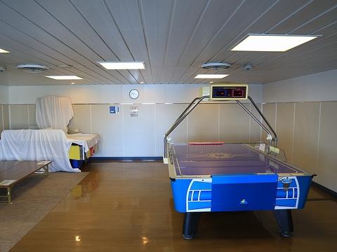 新日本海フェリー「らいらっく」 4階スポーツコーナー