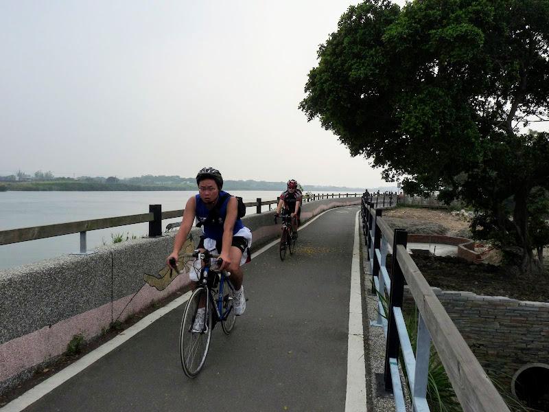 TAIWAN. Taipei .En vélo de Guandu MRT à Bali et retour à Danshuei en bateau - P1160420.JPG