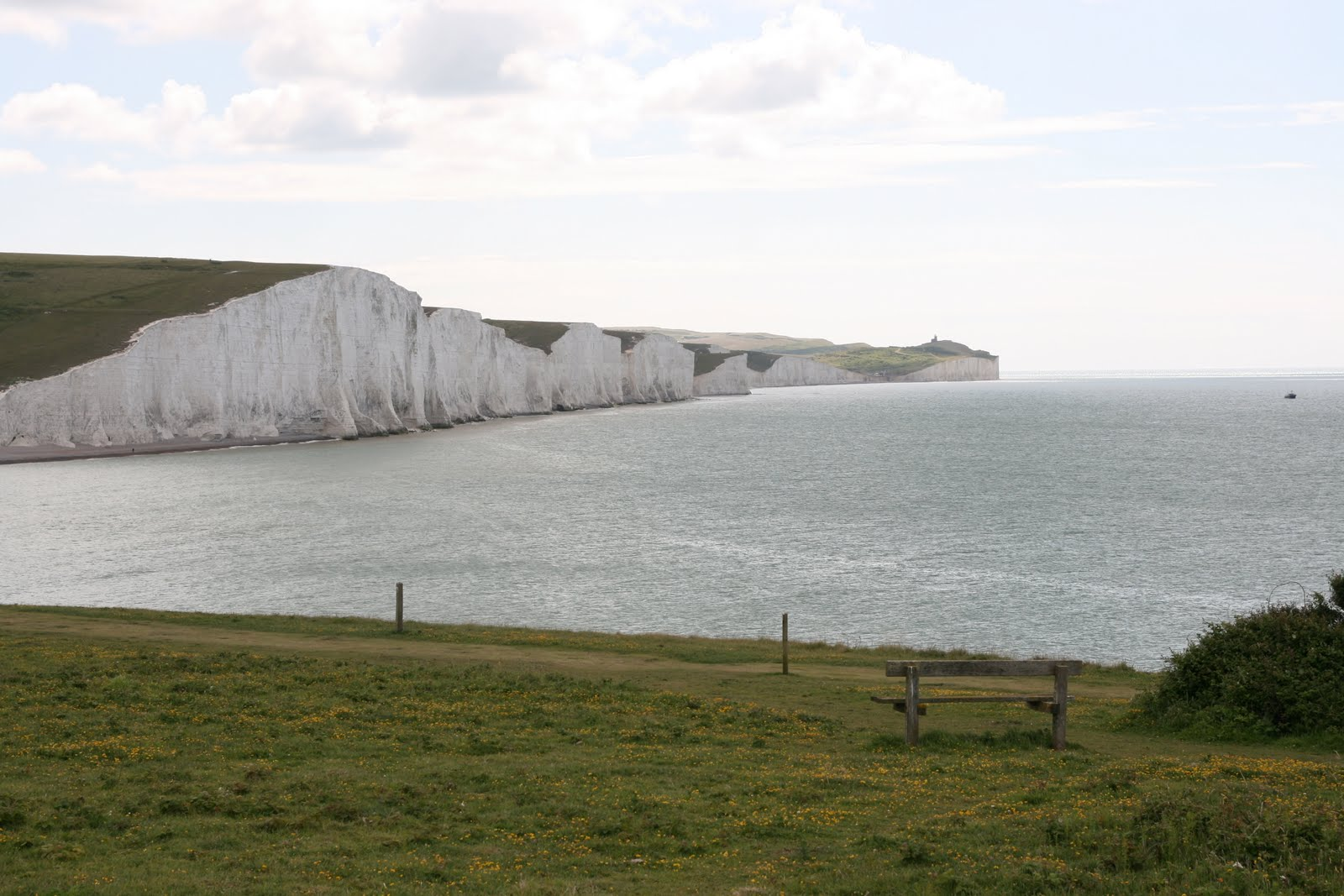 0906 004 Seaford to Eastbourne, England The Sisters