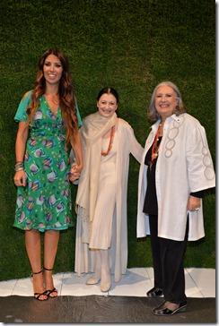 Laura e Lavinia Biagiotti con Carla Fracci
