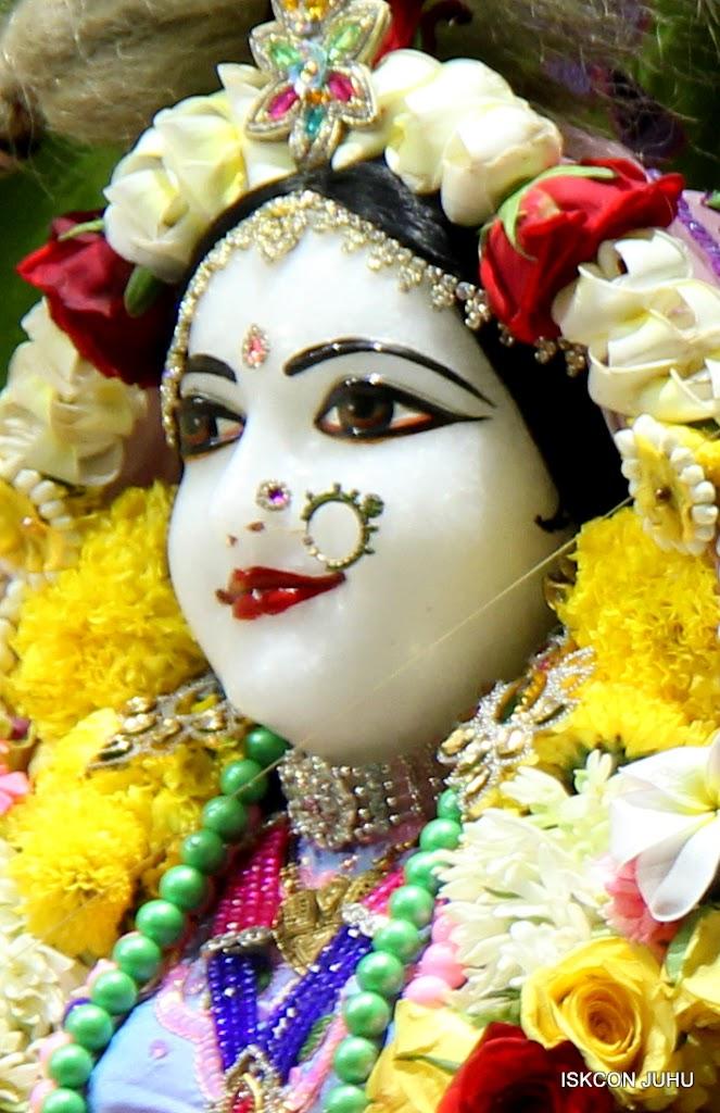 ISKCON Juhu Sringar Deity Darshan on 30th June 2016 (8)