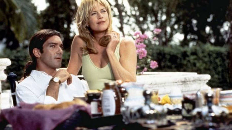 "Antonio conoció a Melanie Griffith en la película ""Two much"""