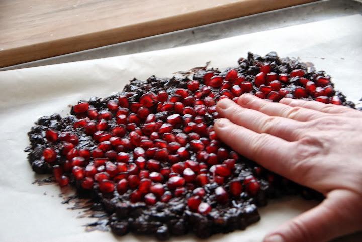 Dark Chocolate Pomegranate Bark Recipe