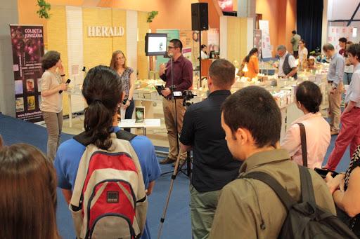 """Lansarea cartii """"Lumea si demonii ei"""" la Bookfest 2015"""