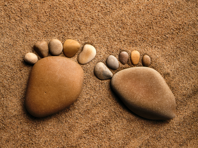 feet of stones wallpaper