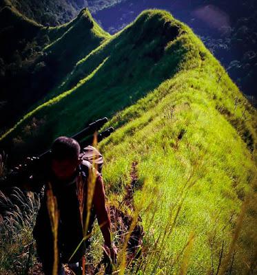 Punggung Naga jalur pendakian Piramid