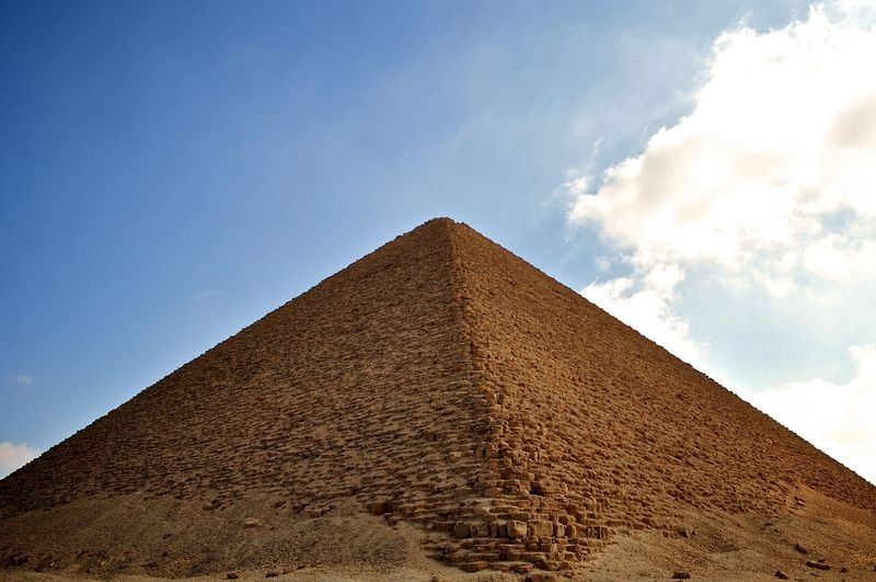 red-pyramid-1