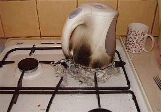 electric kettle you are doing it wrong, kettle you are doing it wrong, you are doing it wrong, kettle fail, electric kettle fail, boiling water fail