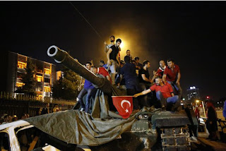 Coup d'Etat raté en Turquie: le bilan passe à 265 morts