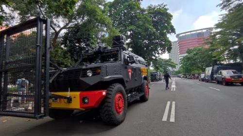 Jalan Menuju Gedung KPK Ditutup Dan Dijaga Ketat Ratusan TNI-Polri, Ada Apa?