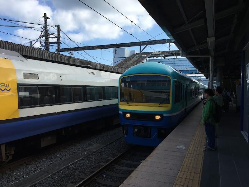 15:56 列車入線