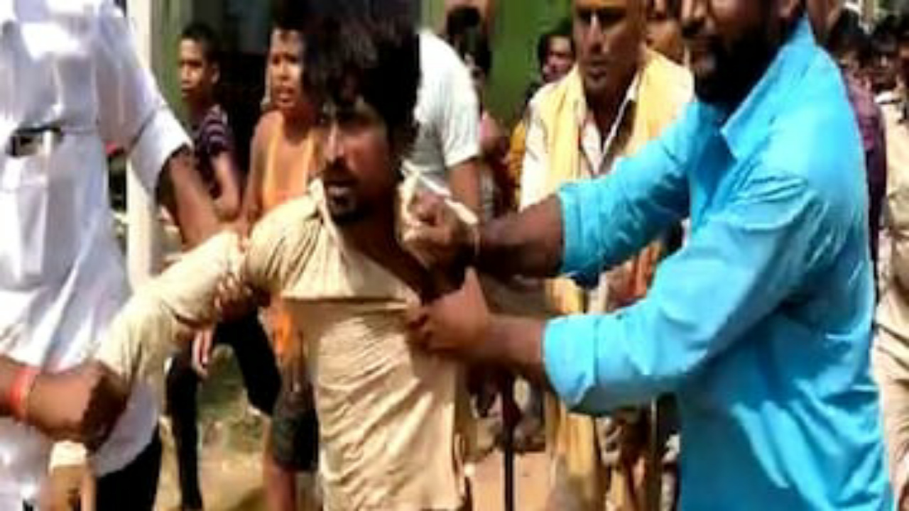 पुलिस के हत्थे चढ़ा महनार नाबालिग छात्रा मर्डर केस का आरोपी, भीड़ ने दौड़ा-दौड़ाकर पीटा