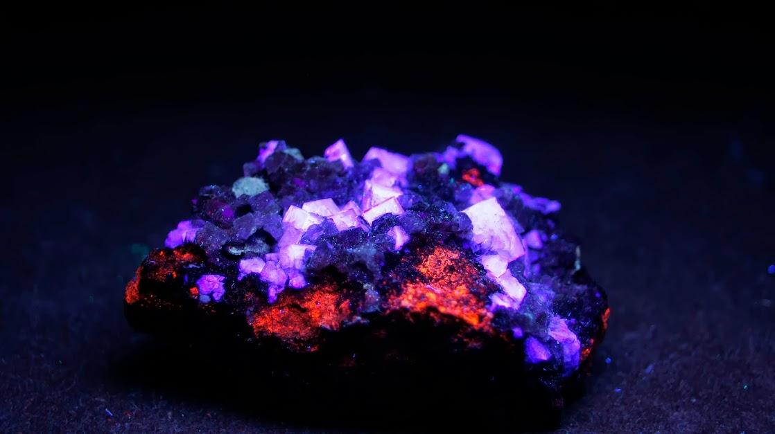 Colección de Minerales Fluorescentes - Página 3 Fluorita%252CRed+Grooves+Mine%252C+Newbiggin%252C+Teesdale%252C+Co.+Durham%252C+Inglaterra.uvc