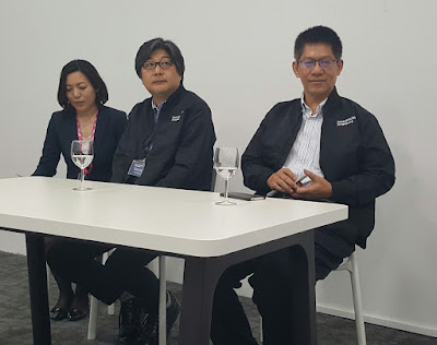 From left: Zepp's interpreter, Satoshi Seno, President, Zepp Hall Network and Director of the board and Corporate Executive VP, SMEJ, and Sng Sze Hiang, MD, Zepp@BIGBOX.