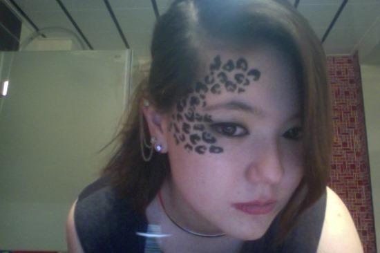 cheetah_print_tatuagem_no_rosto