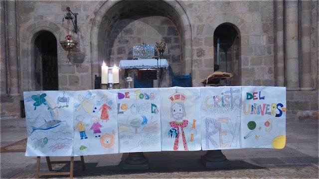 Frontal de altar realizado por  los niños de catequesis