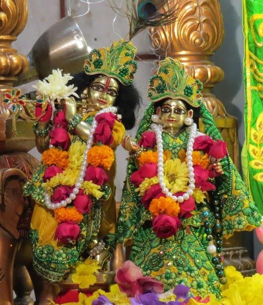 ISKCON Vallabh vidhyanagar Deity Darshan 11 jan 2017 (6)