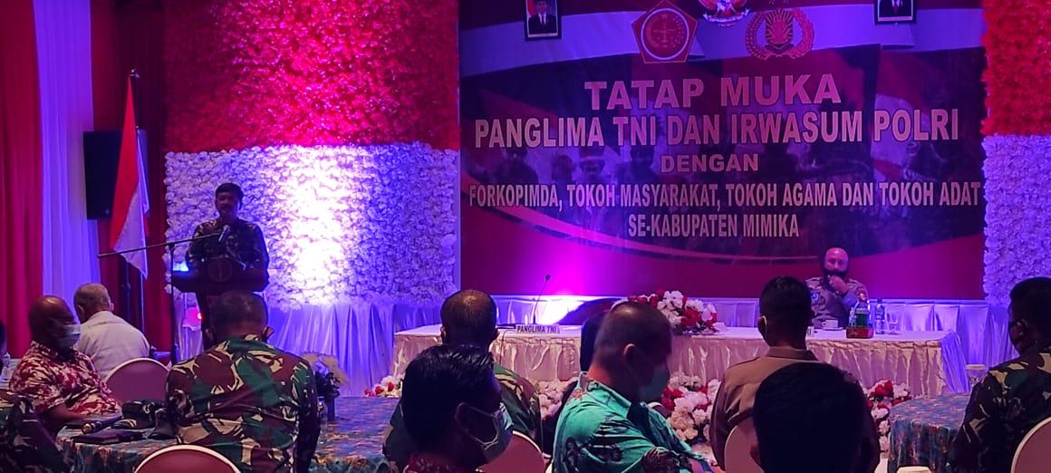 Panglima TNI dan Irwasun Polri Gelar Silahturahmi dengan Tokoh Adat Dan Tokoh Agama Di Papua