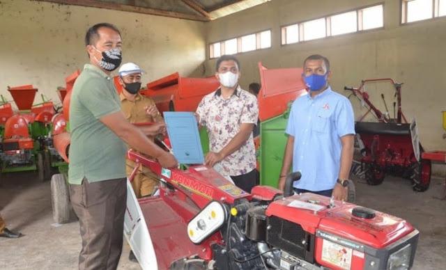 Sejumlah Petani di Aceh Timur Menerima Alat Mesin Pertanian dari APBN