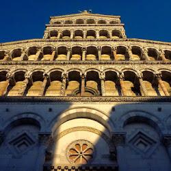 Lucca: Sightseeing & Enjoying the Light
