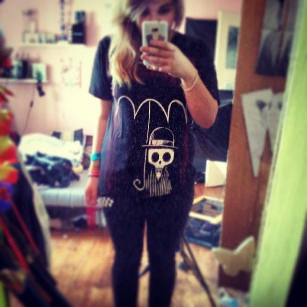instagram, selfie, umbrella tshirt, akumu ink, akumuink, skull umbrella, dead skeleton rain tshirt, raining blood, creepy cute tshirt, japanese goth clothes, japanese emo brand, japanese goth style, akumuink