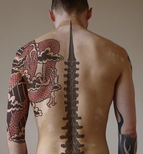 tribal_coluna_vertebral_tatuagem_ideia