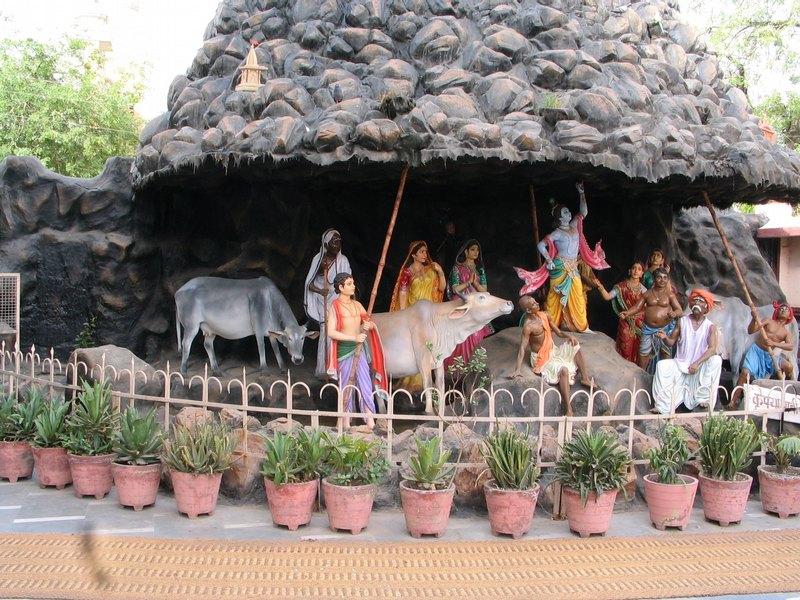Sri Govardhana Nesa Perumal Temple (Thiru Vadamathura) Brindhavan - Divya Desam 104