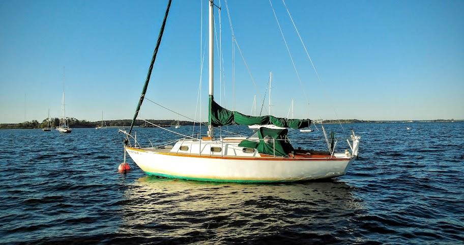 Cape-Dory 27