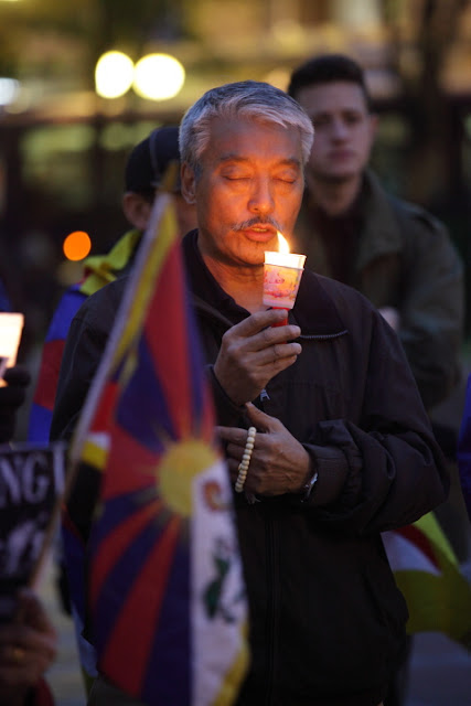 10/19/11 Tibet is Burning! Candle Vigil for Tibet - IMG_024010-19%2BTibet%2B72dpi.JPG