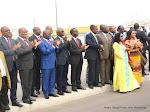 Les autorités congolaises à l'aéroport international de Ndjili à Kinshasa, le 30/07/2015 lors de l'arrivée de l'Airbus A 320 de la compagnie aérienne congolaise, Congo Airways. Radio Okapi/Ph. John Bompengo