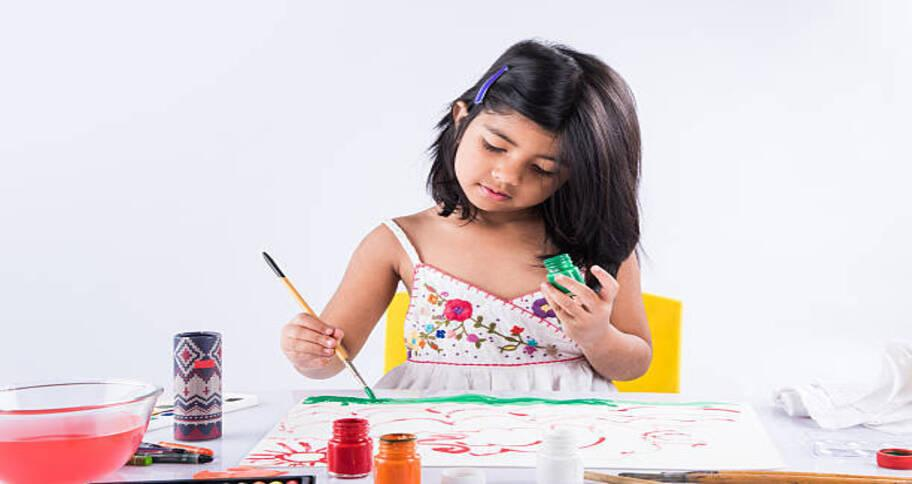 Art is an extracurricular activities for kids
