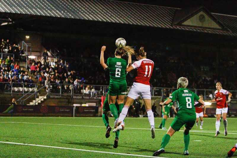 Hannah Short Headers the Ball in Match Against Arsenal 2018