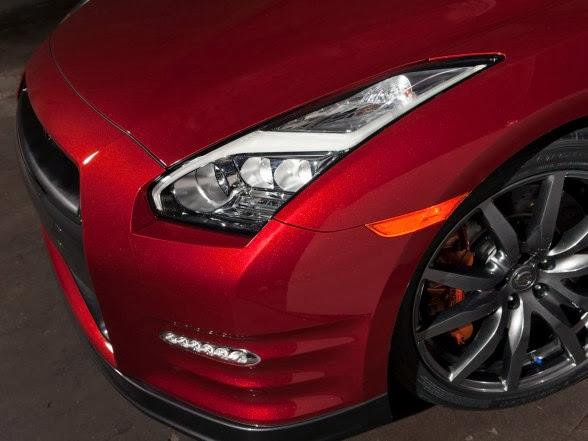 2015 Nissan GT-R - Headlight