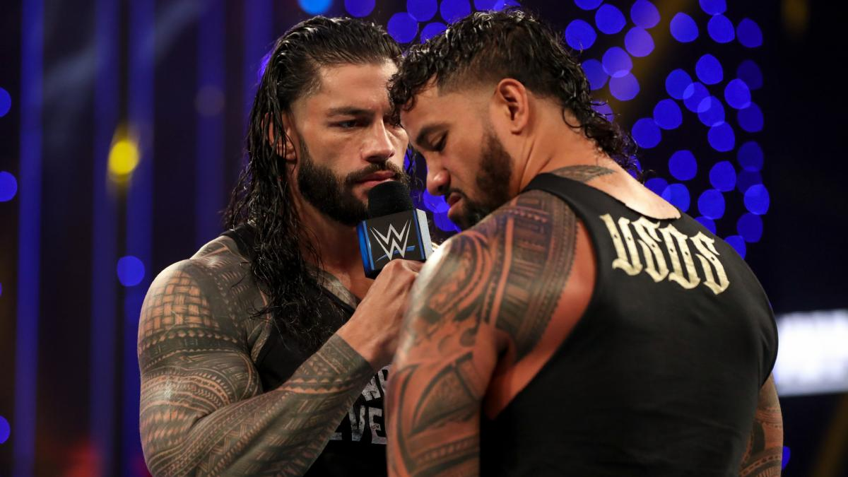 Roman Reigns and Jey Uso on WWE SmackDown Live