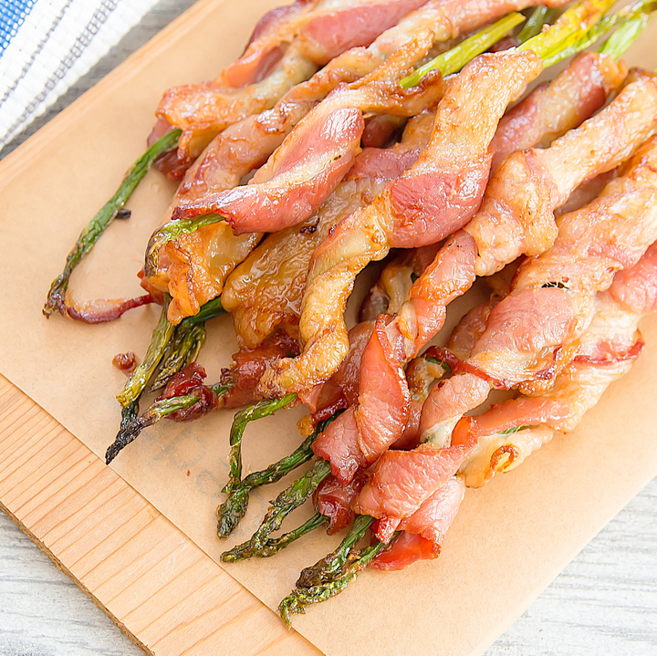 overhead photo of bacon wrapped asparagus
