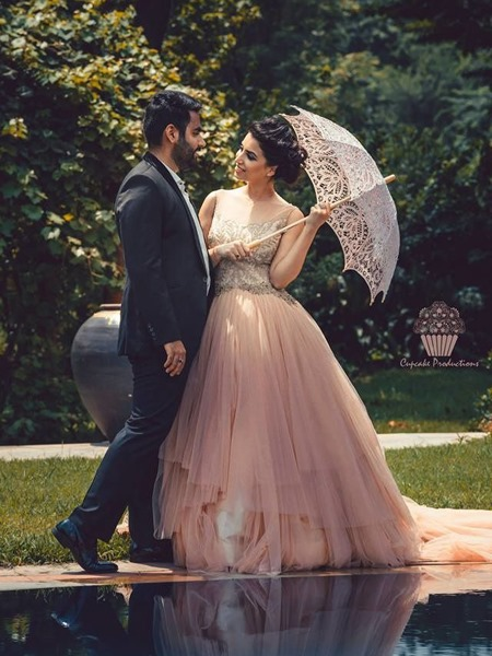 Indian Couple Pre Wedding Photo Shoot Ideas