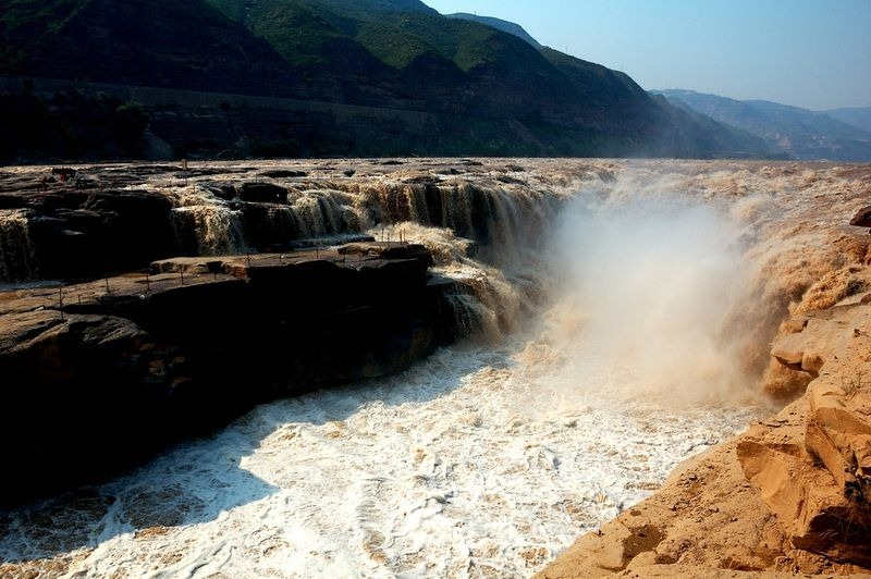 hukou-waterfall-4