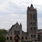 Eglise St-Laurent depuis la place du château