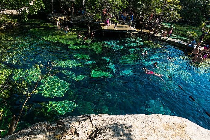 CenoteAzul08.jpg