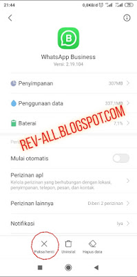 pengaturan paksa berhenti proses aplikasi WhatsApp