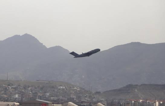 Últimas tropas de Estados Unidos salen de Afganistán