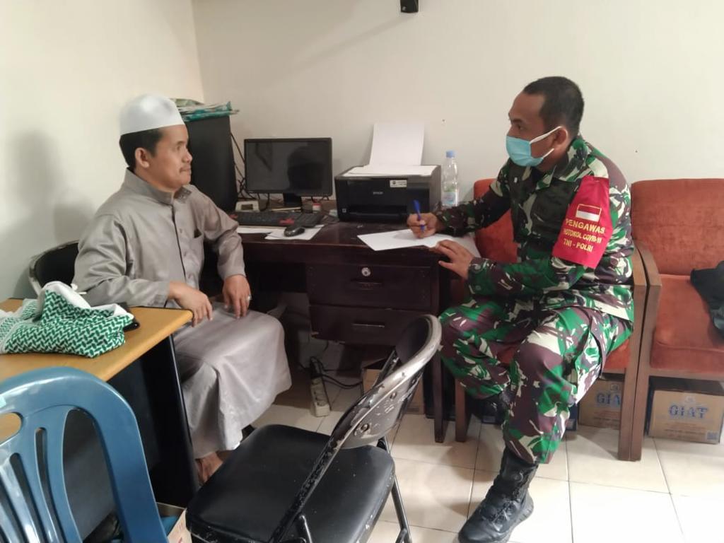 Danramil-02/Penjaringan Anjangsana Di Masjid Kramat Luar Batang