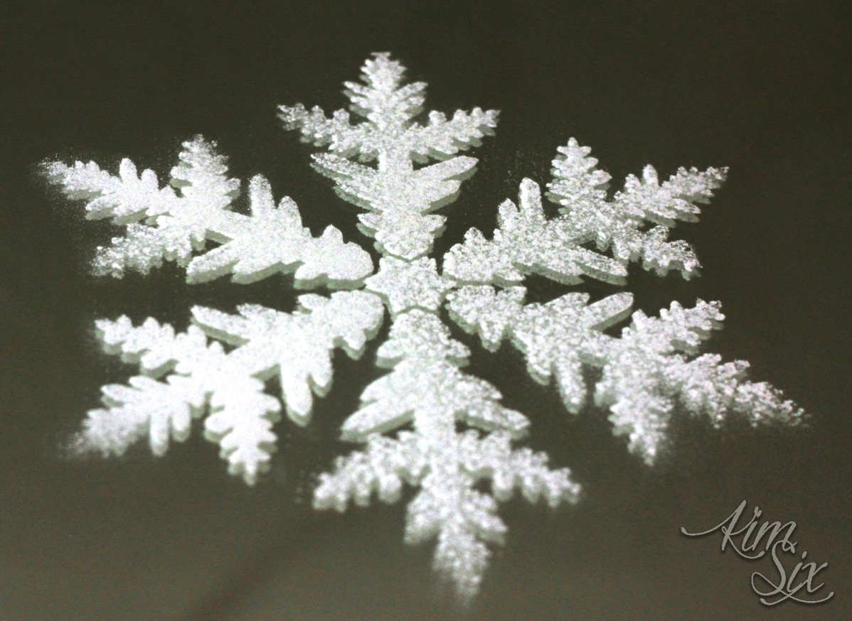 Spray snow snowflake