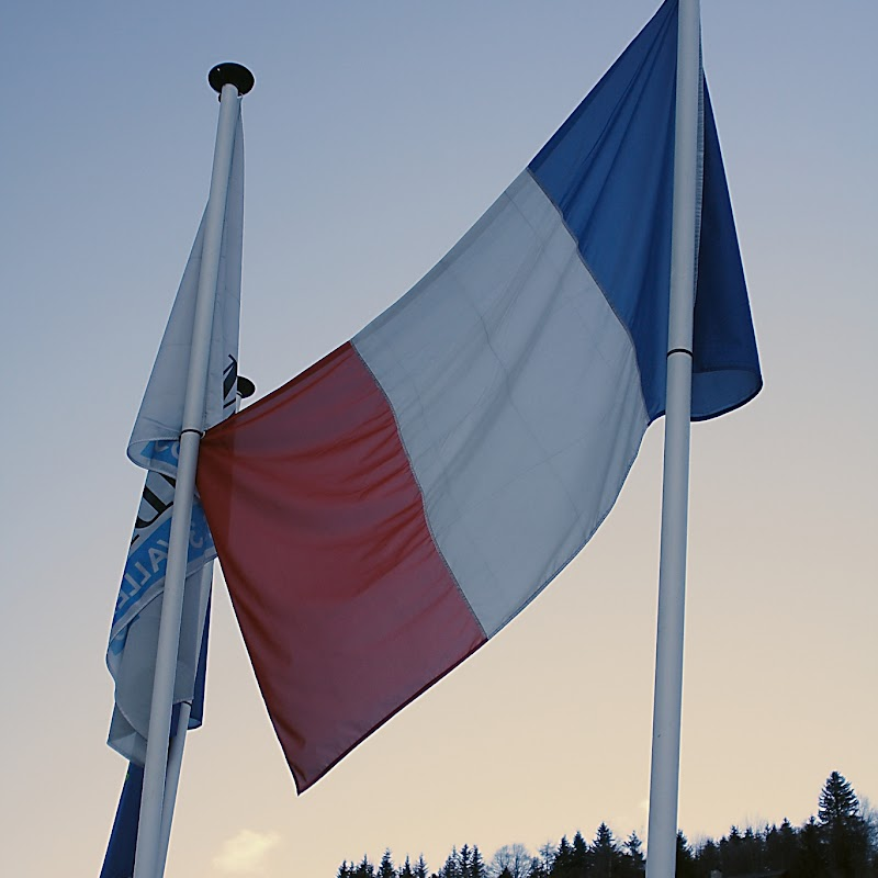 Meribel_88 French Flag.jpg