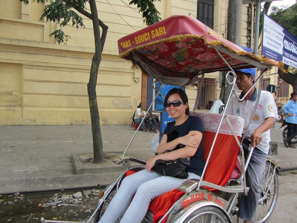 0004Pedicab_Ride_in_Hanoi