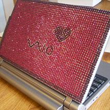 Notebook personalizado com desenhos decorados com strass