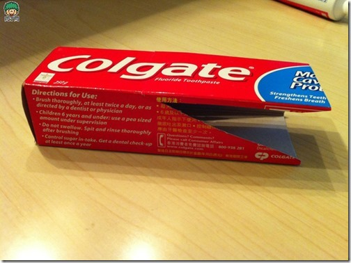 coche reciclado de caa de pasta de dientes (1)
