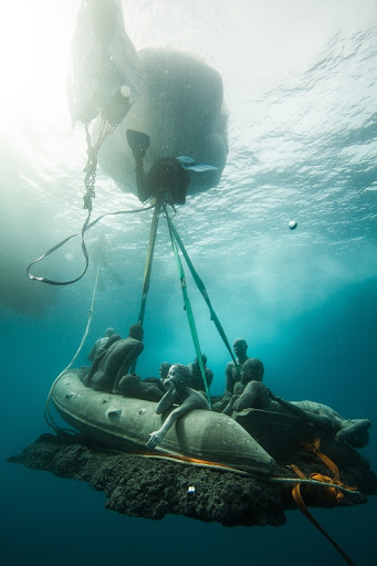Installing Lampudesa. Museo Atlantico, Jason deCaires Taylor