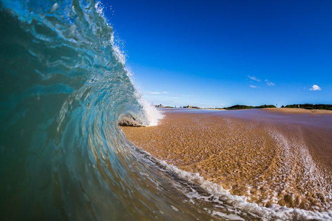 Thơ tình con Sóng và Biển
