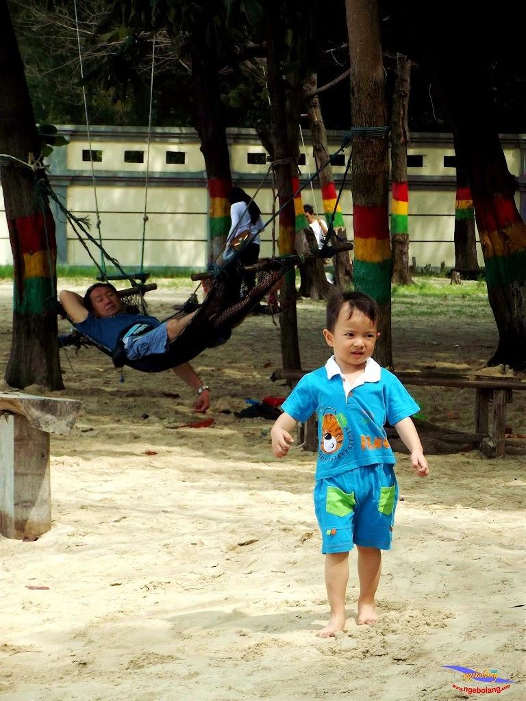 family trip pulau pari 140716 Fuji 036